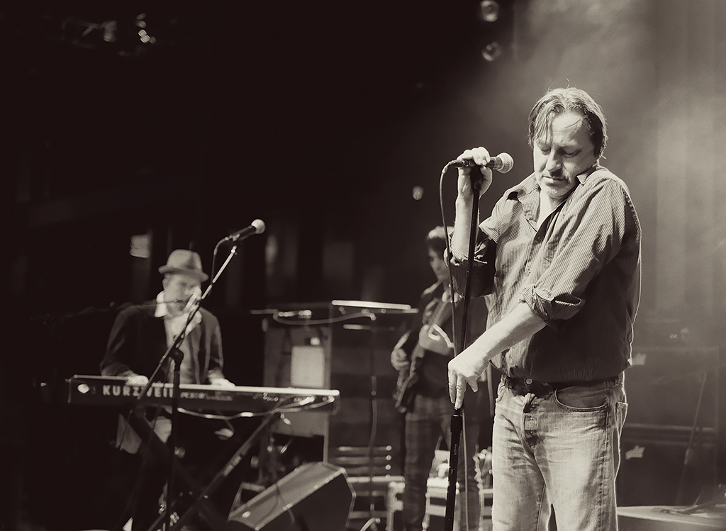 Fuji X-E2 shoots Southside Johnny concert