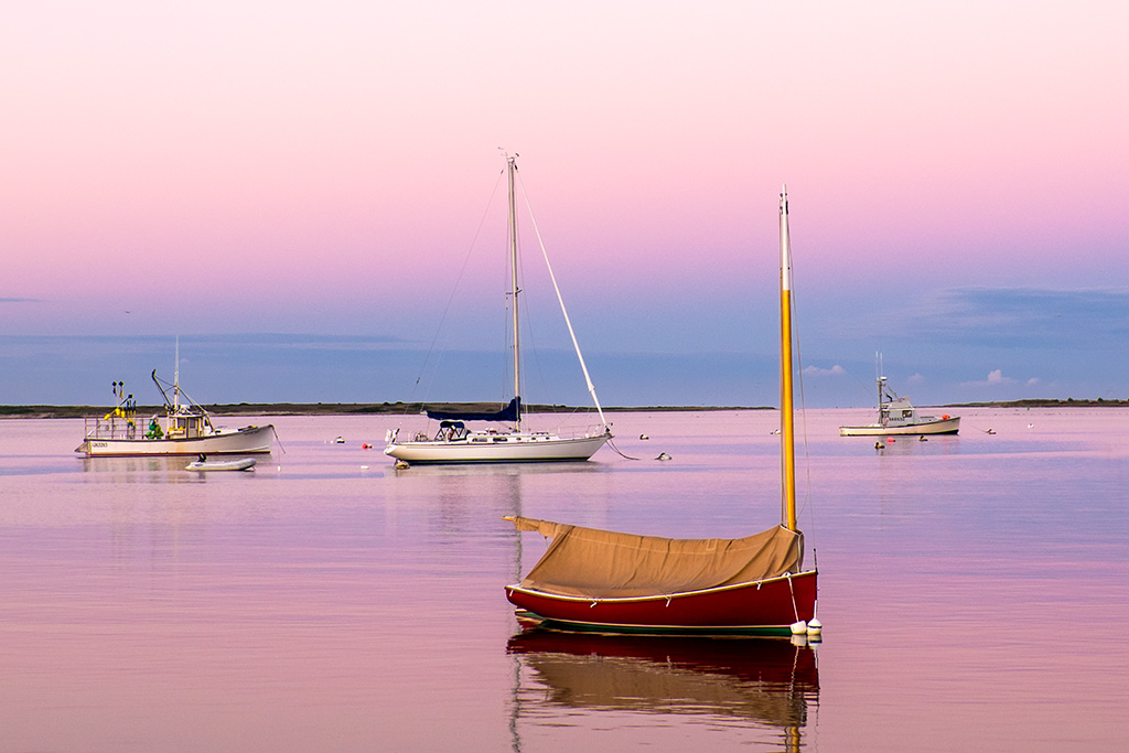 Red Boat – Pink Sky