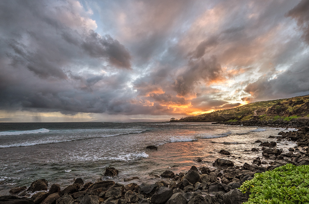 Fire in the Sky – Molokai Hawaii